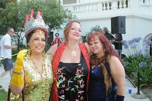 61041-2012 three queens small-thumb-300x200-61040.jpg